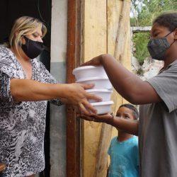 Auxílio emergencial não banca nem metade da cesta básica, que subiu mais de 20% em um ano