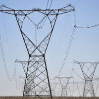 Com energia privatizada, nordestinos sofrem com preços altos e serviços ruins